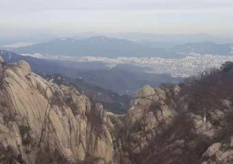 首尔近郊最高山--北汉山冬季景色