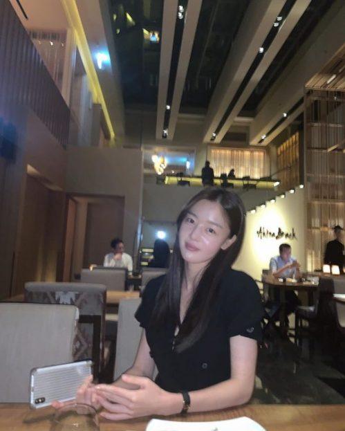 """演员韩善花在个人sns上公开素颜照片-网友大赞""""牛奶皮肤"""""""