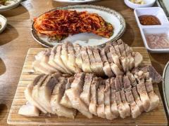 韩国普门洞小菜超多的包肉定食店 (9)
